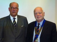 Peter Ackroyd MBE with HTS President Stephen Sheard.